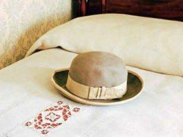 cappello sul letto 2