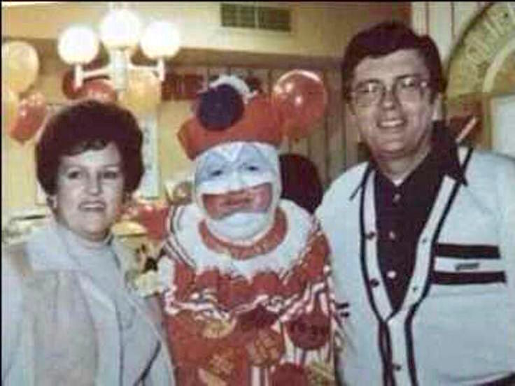 clown assassino