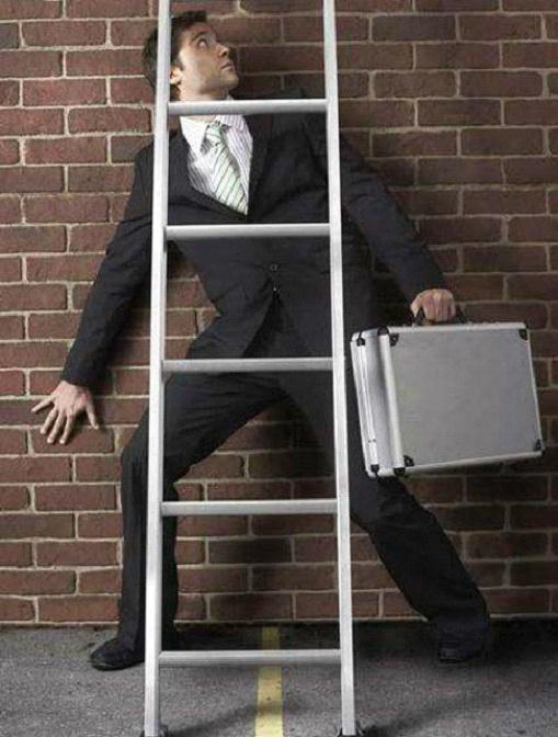 passare sotto la scala rimedi