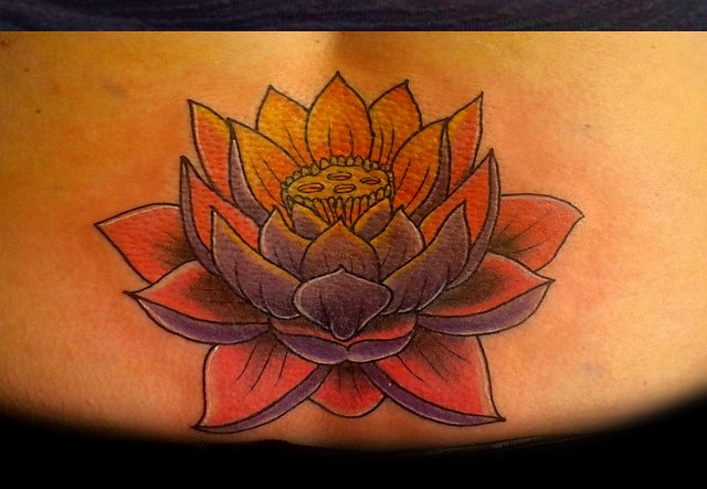 fiori di loto tattoo