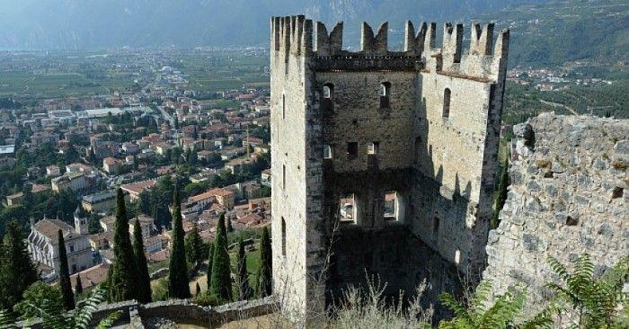 castello riva del garda
