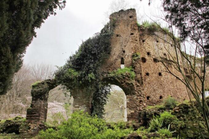 giardini di ninfa roma